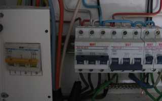 Трехфазный переключатель с основного ввода на генератор